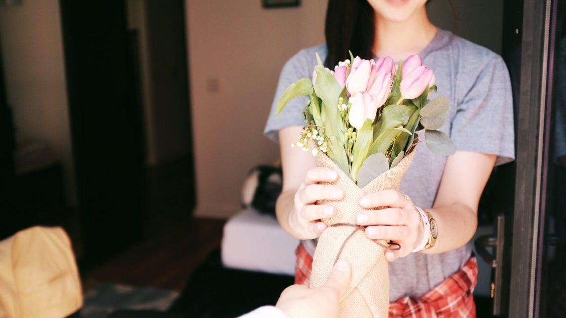 الأبراج و الحب: كيف تتأكدين من حبه لك حسب برجه