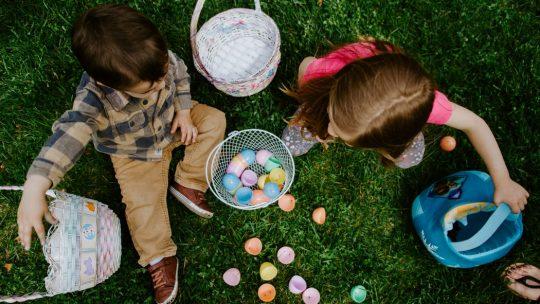 علم طفلك المشاركة: طرق لتعليم طفلك المشاركة و العطاء